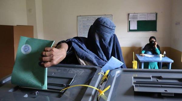 زنان افغانستان به حقوق خود رأی دادند!