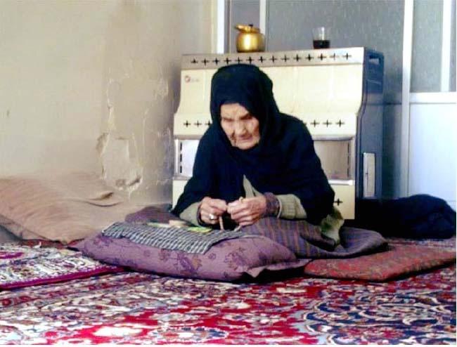 مادر شهید عبدالعلی مزاری درگذشت